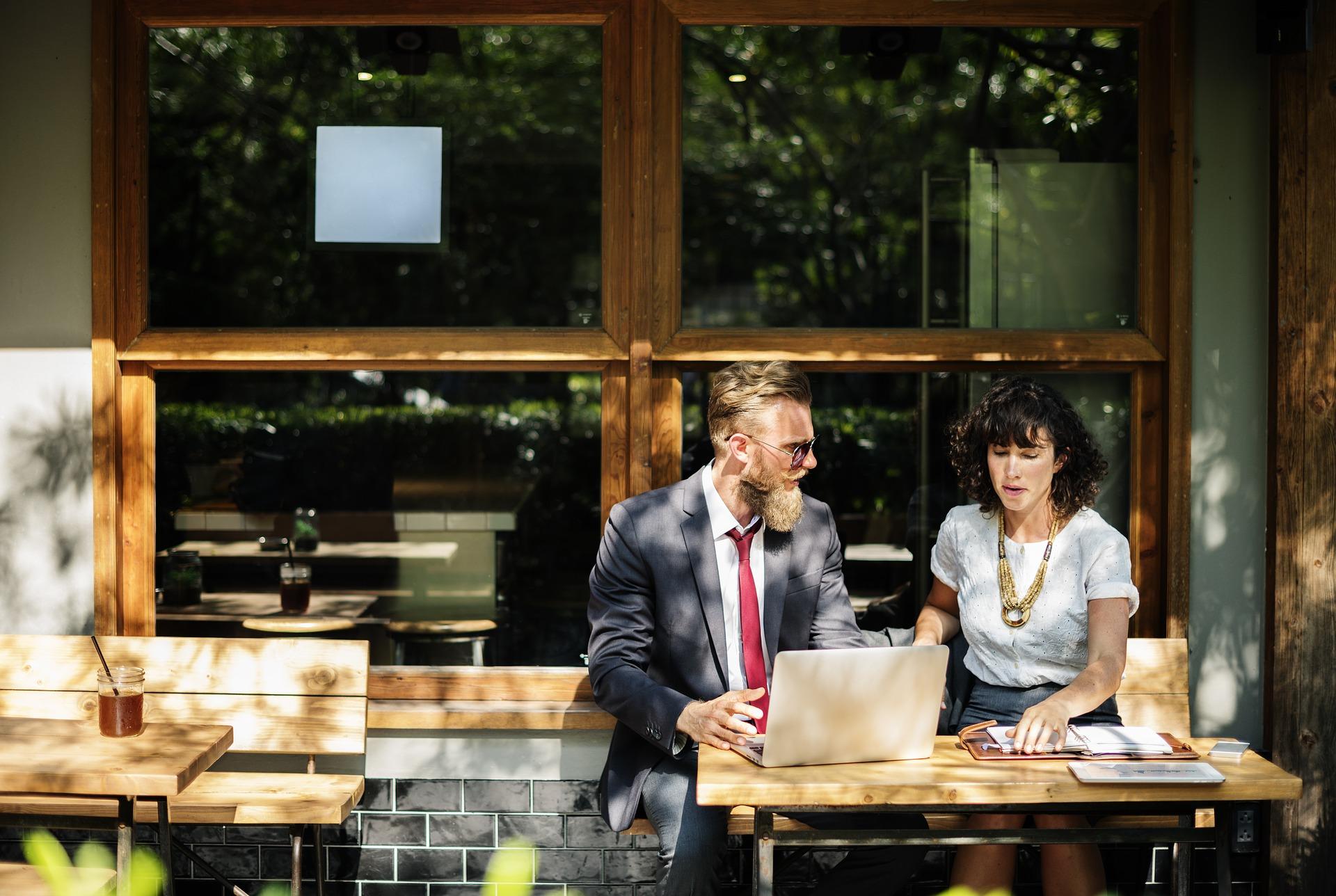 IT業界が狙い目!働きながら勉強できる派遣事業のメリットを売り込もう